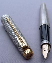 PARKER 75 STERLING CISELE FOUNTAIN PEN