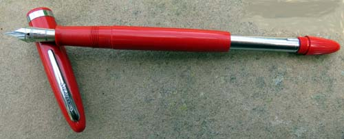 SHEAFFER NEW OLD STOCK CRAFTSMAN SERIES FOUNTAIN PEN IN BRIGHT RED