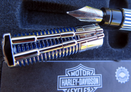 WATERMANS HARLEY DAVIDSON FOUNTAIN PEN IN BLUE / CHROME