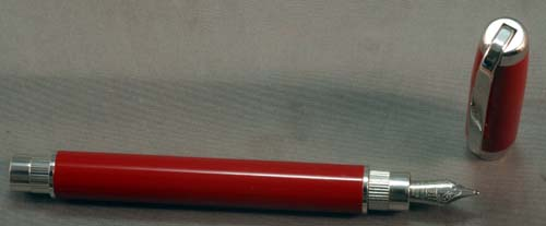FRANKLIN-CHRISTOPH FOUNTAIN PEN IN RED