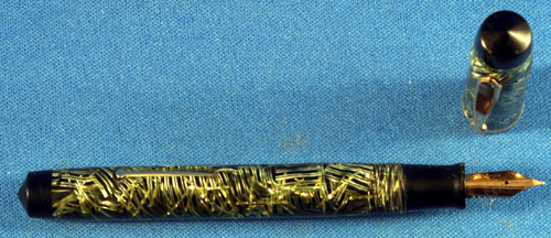 WASP CLIPPER IN GOLD AND PEARL RIBBON PATTERN