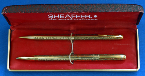 "GORGEOUS SHEAFFER ""VINTAGE"" PATTERN SET"