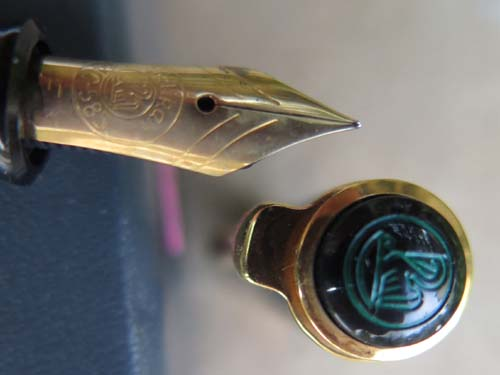 PELIKAN SOUVERAN 400 IN ORIGINAL GREEN/BLACK