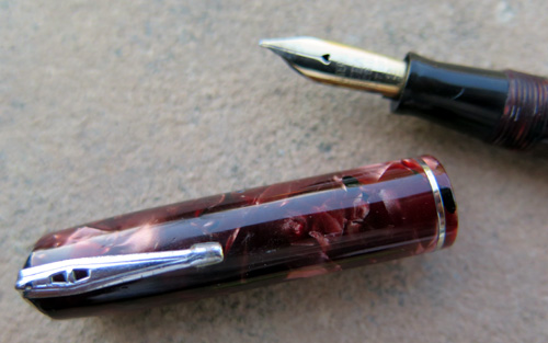 WATERMANs 3V IN MARBLED RED WITH FINE FLEX NIB