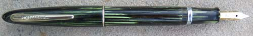 SHEAFFER VACUUM FILLING BALANCE IN GREEN STRIPES.