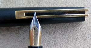 WATERMAN DESIGNER COLLECTION Mo. 16170 IN BLACK COMPOSITE WITH FLEX TWO TONE #6 18 CARAT NIB