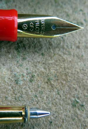 PILOT MINUET 3 PIECE SET IN SOLID RED. TINY PENS. With Pilot Superloy Fine nib. Includes a hard to find thin size Pilot converter.