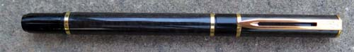 WATERMAN LAUREAT 1 ROLLERBALL. Gloss black with gold plated trim.