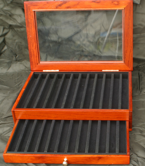 WOOD / GLASS PEN DISPLAY CASE